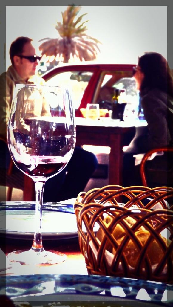 Del hotel a la bodega para degustar el vino